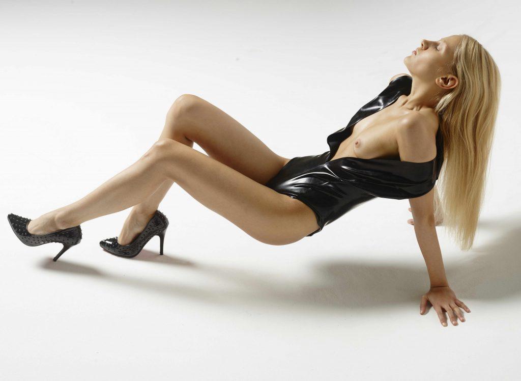Stunning Slim Girl - XLondonEscorts